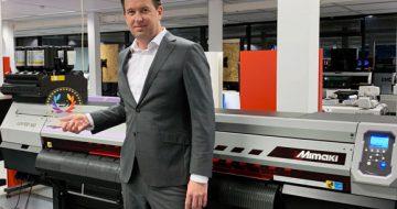 Mimaki UJV100-160 erhält EDP-Auszeichnung als bester Rolle-zu-Rolle-Drucker image